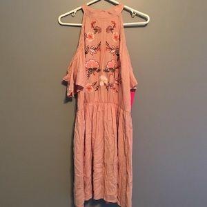 Open-shoulder dress
